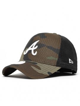 New Era Casquette Trucker MLB Atlanta Braves Woodland Camouflage/Blanc